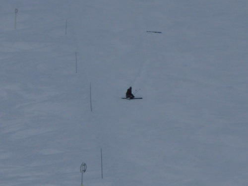 Eu caido longe do meu esqui